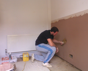 Plastering after damp treatment